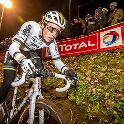2019-12-29: Cycling: Superprestige: Diegem: World  champion Sanne Cant