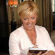 NLD/Amsterdam/20070410 - Boekpresentatie Caroline Tensen,