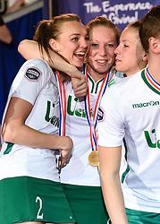 11-04-2015 NED: PKC SWKgroep - TOP Quoratio, Rotterdam<br /> Korfbal Leaguefinale in een volgepakt Ahoy wordt gewonnen door PKC met 22-21 /  Mabel Havelaar, Lara Boonstoppel, Suzanne Struik