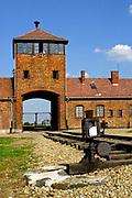 Auschwitz II-Birkenau, Brama Śmierci.<br /> Auschwitz II-Birkenau, the Gate of Death.