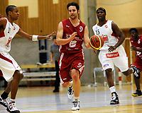 Basket<br /> BLNO<br /> 02.02.2010<br /> Ulriken Elite - Gimle<br /> Haukelandshallen<br /> Chris Eboue (L) og Peter Bullock (R) , Gimle<br /> Paul Hafford (M) , Ulriken<br /> Foto : Astrid M. Nordhaug