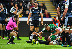 Braam Steyn of Benetton Treviso scores his sides first try<br /> <br /> Photographer Craig Thomas/Replay Images<br /> <br /> Guinness PRO14 Round 4 - Ospreys v Benetton Treviso - Saturday 22nd September 2018 - Liberty Stadium - Swansea<br /> <br /> World Copyright © Replay Images . All rights reserved. info@replayimages.co.uk - http://replayimages.co.uk