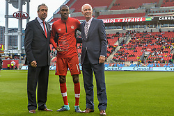September 3, 2017 - Toronto, Canada - Atiba Hutchinson for winning his record fifth Canadian Player of the Year award before the Canada-Jamaica Men's International Friendly match at BMO Field in Toronto, Canada, on 2 September 2017. (Credit Image: © Anatoliy Cherkasov/NurPhoto via ZUMA Press)