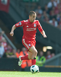 15.08.2010, Anfield, Liverpool, ENG, PL, FC Liverpool vs FC Arsenal, im Bild Liverpool's Joe Cole in action against Arsenal during the Premiership match at Anfield. l. EXPA Pictures © 2010, PhotoCredit: EXPA/ Propaganda/ David Rawcliffe / SPORTIDA PHOTO AGENCY