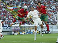 Fotball<br /> Euro 2004<br /> 30.06.2004<br /> Foto: Witters/Digitalsport<br /> NORWAY ONLY<br /> <br /> Portugal v Nederland 2-1<br /> <br /> 0:1 Tor Cristian RONALDO - Michael Reiziger - Ricardo Cavalho