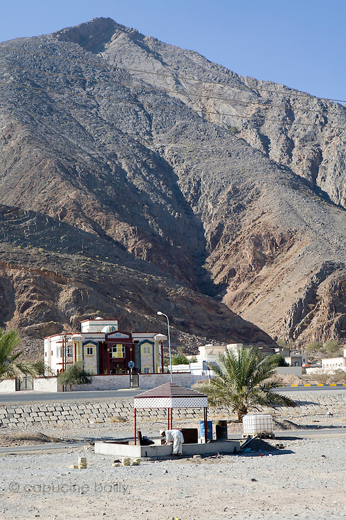 Between Muscat and Nizwa, Sultanate of Oman. .February 1st 2009..