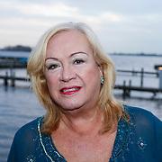 NLD/Loosdrecht/20121126 - CD uitreiking Anneke Gronloh, Viola Holt