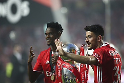 May 13, 2017 - Lisbon, Portugal - Benfica players celebrating their victory in the Portuguese League at Luz  Stadium in Lisbon on May 13, 2017. Benfica wins the title for the 36th time. (Credit Image: © Carlos Costa/NurPhoto via ZUMA Press)