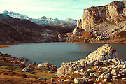 SPAIN, NORTH, ASTURIAS La Ercina Lake in the Picos de Europa