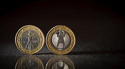 THEMENBILD - Euromuenze. Eine italienische 1 Euro Muenze (links) und eine deutsche 1 Euro Muenze (rechts). Aufgenommen am 16/11/2011 in Knittelfeld. EXPA Pictures © 2011, PhotoCredit: EXPA/ S. Zangrando