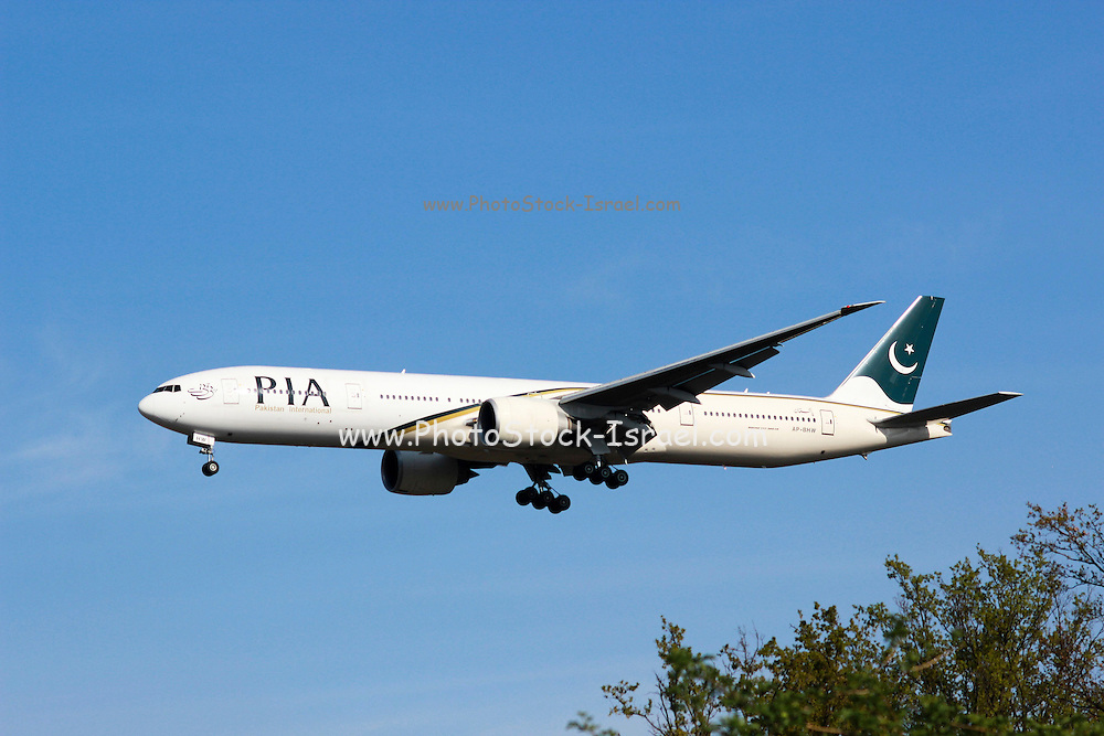 AP-BHW Pakistan International Airlines Boeing 777 Photographed at Malpensa airport, Milan, Italy