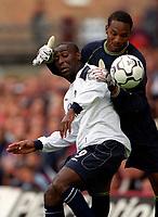 Shaka Hislop (West Ham) thwarts Andy Cole (Manchester United) West Ham United v Manchester United, FA Premiership, 26/08/2000. Credit: Colorsport / Matthew Impey