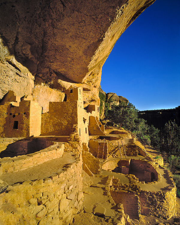 Cliff Palace at Mesa Verde NP in Colorado, a World Heritage Site, offers visitors a look into the Anasazi culture.