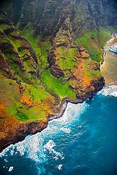Nu`alolo or Nu`alolo Valley, 'Fat Man's Misery' rock and Nu`alolo Kai or Nualolo Kai beach on the right, Na Pali coast, Kauai, Hawaii, Pacific Ocean
