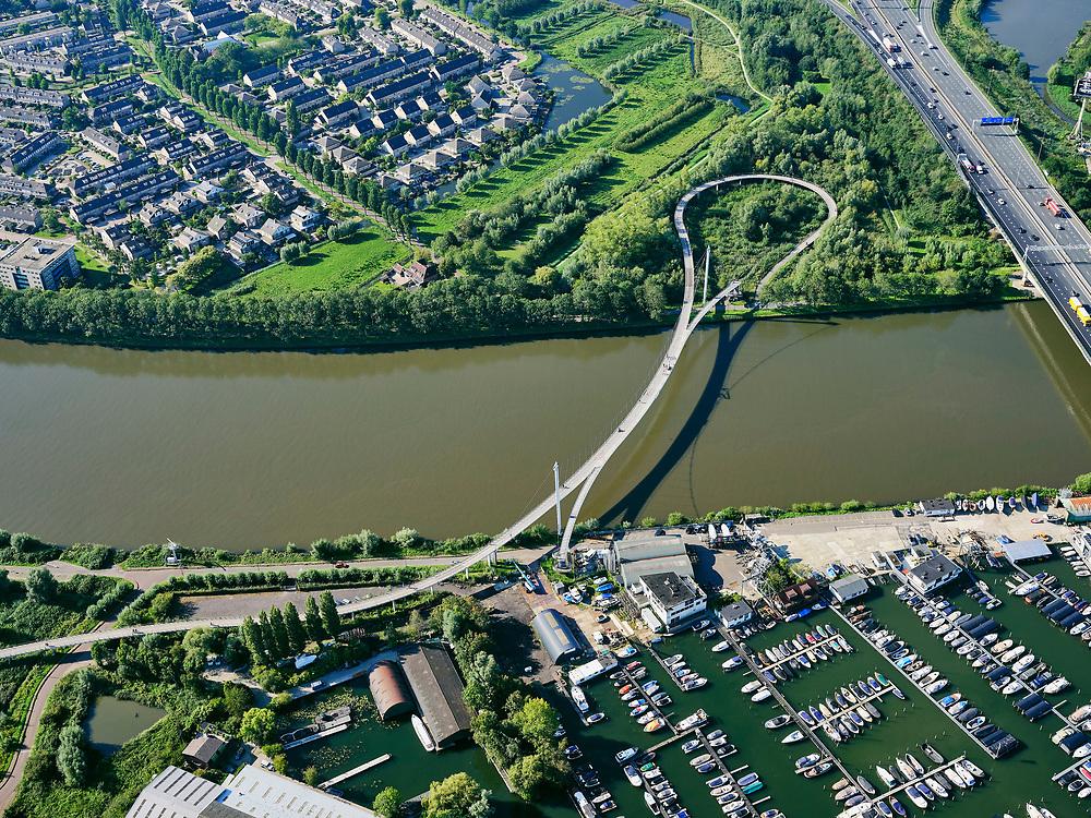Nederland, Noord-Holland, Amsterdam, 02-09-2020; Nesciobrug over Amsterdam-Rijnkanaal. Jachtwerf Pampus en jachthavens, Diemen-Noord.<br /> luchtfoto (toeslag op standard tarieven);<br /> aerial photo (additional fee required);<br /> copyright foto/photo Siebe Swart