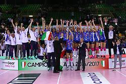 11-05-2017 ITA: Finale Liu Jo Modena - Igor Gorgonzola Novara, Modena<br /> Novara heeft de titel in de Italiaanse Serie A1 Femminile gepakt. Novara was oppermachtig in de vierde finalewedstrijd. Door een 3-0 zege is het Italiaanse kampioenschap binnen. / Team Novara kampioen van Italie<br /> <br /> ***NETHERLANDS ONLY***