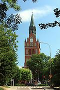 Ełk, 2008-07-12. Wieża kościoła Najświętszego Serca Pana Jezusa w Ełku