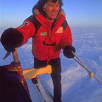 INTERNATIONAL ARCTIC PROJECT, Will Steger mushes across frozen Arctic Ocean, North-West Territories, Canada.