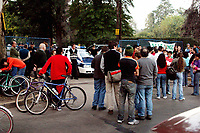 09/05/04 - DIEGO MARADONA WAS TRASLADED AT A CLINIC TO PEOPLE WHO ABUSED OF DRUGS - Buenos Aires - Argentina. <br /> HERE THE POLICE CLOSE THE STREET OF THE CLINIC AND THE FANS START TO MAKE A NEW SANCTUARY FOR THE IDOL<br /> ©A.K./Argenpress.com