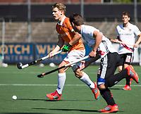 AMSTELVEEN  - Hockey -  1e wedstrijd halve finale Play Offs dames.  Amsterdam-Bloemendaal (5-5), Bl'daal wint na shoot outs. Jasper Brinkman (Bldaal)   COPYRIGHT KOEN SUYK