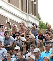 17-07-2014 NED: FIVB Grand Slam Beach Volleybal, Apeldoorn<br /> Poule fase groep A mannen - Reinder Nummerdor (1), Steven van de Velde (2) NED, Chaim Schalk (1), Ben Saxton (2) CAN / publiek, support, Luttikhuis