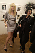 Meredith ostron and Isabella Blow. Warhol's World. Photography and Television. Hauser and Wirth. Piccadilly, London. 26  January 2006.  ONE TIME USE ONLY - DO NOT ARCHIVE  © Copyright Photograph by Dafydd Jones 66 Stockwell Park Rd. London SW9 0DA Tel 020 7733 0108 www.dafjones.com
