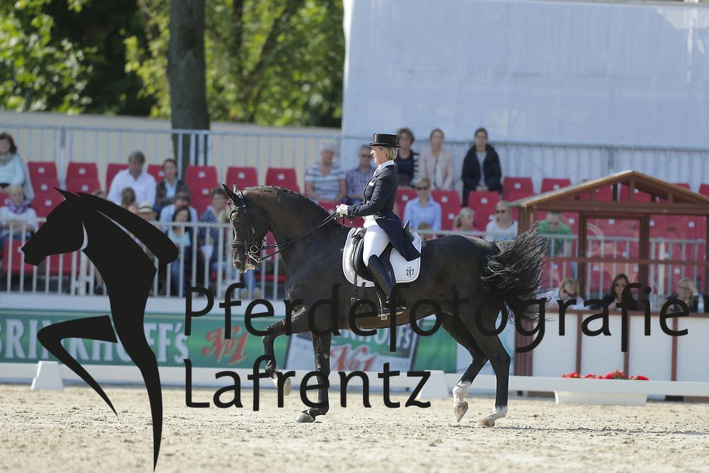 Rund-Köllner, Gabriele, Rossinol<br /> Münster - Turnier der Sieger<br /> Grand Prix Special<br /> © www.sportfotos-lafrentz.de/ Stefan Lafrentz
