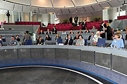 Prins Edward is aanwezig in Almere voor de The International Award For Young People (TIAYP) In  het stadhuis van Almere gaat hij in gesprek met Almeerse scholieren en docenten.<br /> <br /> Prince Edward is present in Almere for the The International Award For Young People (TIAYP) in the town hall of Almere in Almere, he talks to students and teachers.