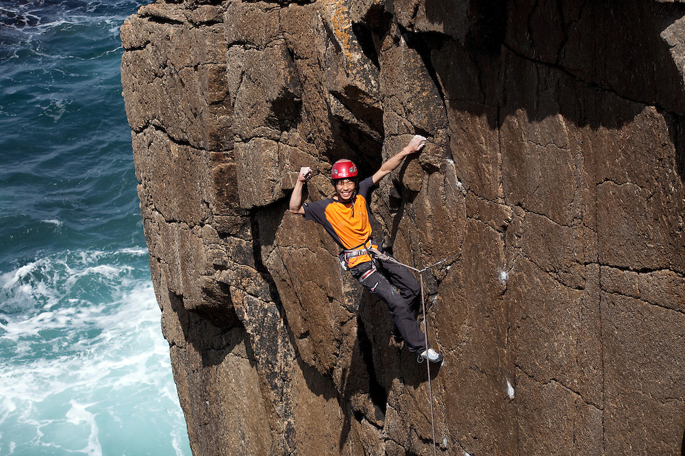 "Toru Nakajima climbing ""Tears of a Clown"" E8 6c at Sennen, Cornwall, England, UK"