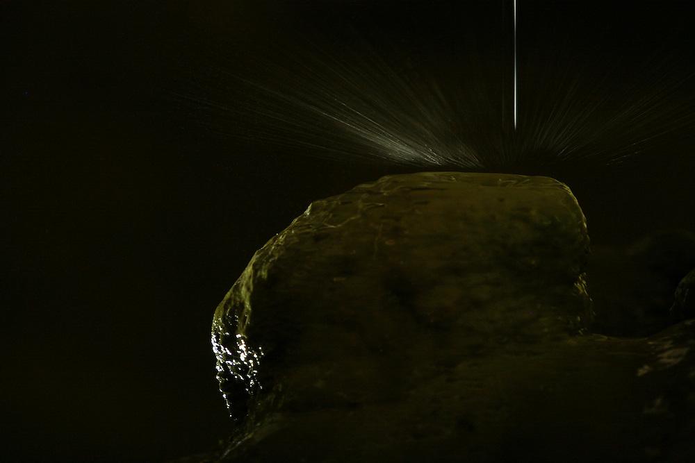 Sete Lagoas_MG, Brasil...Detalhe da formacao de estalactite na Gruta Rei do Mato, localizada na BR-040, em Sete Lagoas...Detail of stalactite formation in the Reio do Mato cave, located in BR-040, in Sete Lagoas...Foto: LEO DRUMOND / NITRO