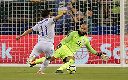 July 19, 2017 - Philadelphia, PA, USA - Philadelphia, PA - Wednesday July 19, 2017: Rodolfo Zelaya, Tim Howard during a 2017 Gold Cup match between the men's national teams of the United States (USA) and El Salvador (SLV) at Lincoln Financial Field. (Credit Image: © John Dorton/ISIPhotos via ZUMA Wire)