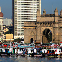 Asia, India, Mumbai. Gateway of India and Taj Mahal Hotel, Mumbai.