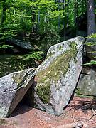 Wodospad Szklarki (woj. dolnośląskie), 26.07.2013. Ostańce skalne w okolicach Wodospadu Szklarki, Karkonoski Park Narodowy.