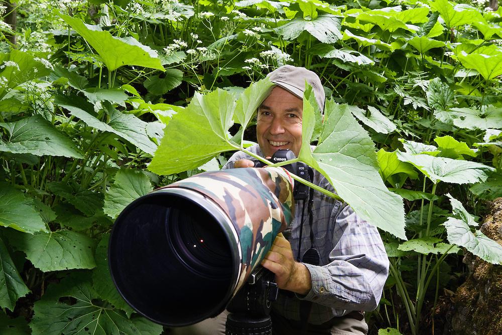 Nature Photographer Konrad Wothe at work for Wild Wonders of Europe in Slovakia, Naturfotograf Konrad Wothe bei der Arbeit für Wild Wonders of Europe in der Slowakei