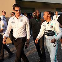28.11.2019, Yas Marina Circuit, Abu Dhabi, FORMULA 1 ETIHAD AIRWAYS ABU DHABI GRAND PRIX 2019<br />, im Bild<br />Toto Wolff (Mercedes), Lewis Hamilton (GB#44), Mercedes-AMG Petronas Motorsport<br /> <br /> Foto © nordphoto / Bratic