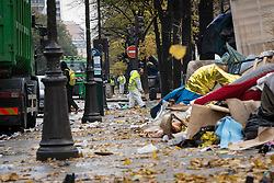 November 4, 2016 - Paris, France - Workers seen cleaning the area in neighbor where the refugees stay rough in the streets around the Stalingrad Metro station, in Paris, France, on 4 November 2016. (Credit Image: © Julien Mattia/NurPhoto via ZUMA Press)