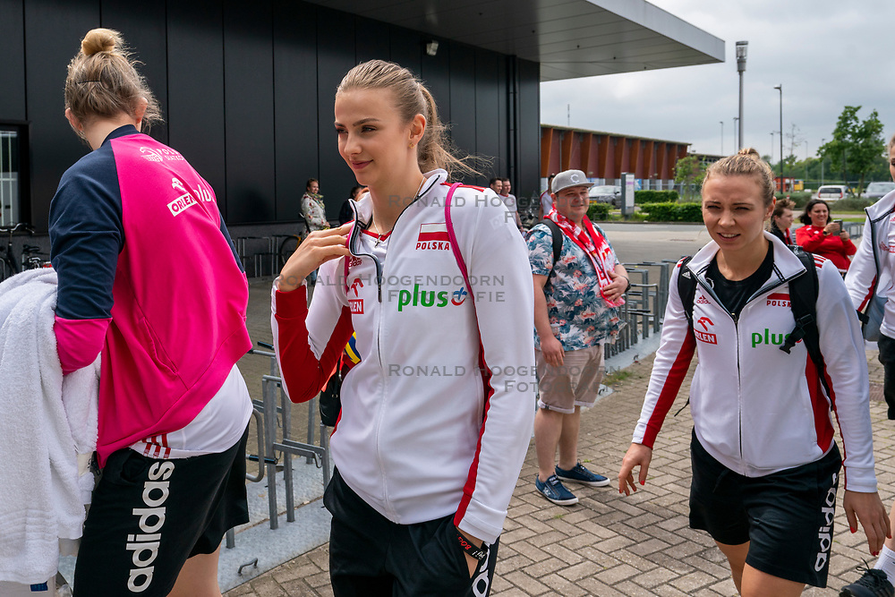 30-05-2019 NED: Volleyball Nations League Netherlands - Poland, Apeldoorn<br /> Natalia Medrzyk #16 of Poland