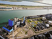 Nederland, Zuid-Holland, Rotterdam, 14-09-2019; Eerste Maasvlakte, Mississippihaven. Engie Centrale Rotterdam, kolencentrale van Engie Energie Nederland. Naast de elektirciteitscentrale de LNG-installatie van de Gasunie (de zgn.Peakshaver) en overslagbedrijf EMO.<br /> First Maasvlakte , Mississippi harbor. Engie Centrale Rotterdam, coal-fired power plant of Engie Energie Nederland. In addition to the electricity plant, the LNG installation of Gasunie (the so-called Peakshaver) and transshipment company EMO.<br /> <br /> luchtfoto (toeslag op standard tarieven);<br /> aerial photo (additional fee required);<br /> copyright foto/photo Siebe Swart