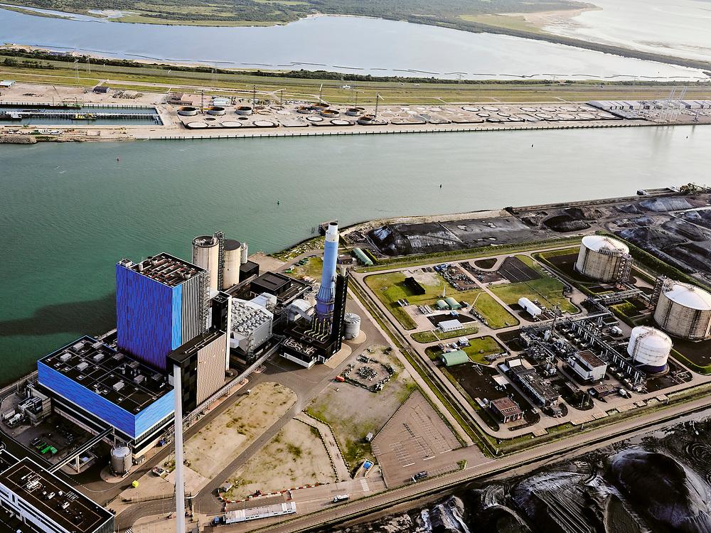 Nederland, Zuid-Holland, Rotterdam, 14-09-2019; Eerste Maasvlakte, Mississippihaven. Engie Centrale Rotterdam, kolencentrale van Engie Energie Nederland. Naast de elektirciteitscentrale de LNG-installatie van de Gasunie (de zgn.Peakshaver) en overslagbedrijf EMO.<br /> First Maasvlakte , Mississippi harbor. Engie Centrale Rotterdam, coal-fired power plant of Engie Energie Nederland. In addition to the electricity plant, the LNG installation of Gasunie (the so-called Peakshaver) and transshipment company EMO.<br /> <br /> luchtfoto (toeslag op standard tarieven);<br /> aerial photo (additional fee required);<br /> copyright foto/photo Siebe Swart