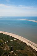 Nederland, Zuid-Holland, Ouddorp, 12-06-2009; Vuurtoren bij Westhoofd op Goeree-Overvlakkee,  de toren is een officiele kustwachtpost en een van de laaste torens die bemand is..Swart collectie, luchtfoto (25 procent toeslag); Swart Collection, aerial photo (additional fee required).foto Siebe Swart / photo Siebe Swart