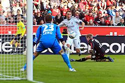 23.10.2011,  BayArena, Leverkusen, GER, 1.FBL, Bayer 04 Leverkusen vs Schalke 04, im Bild.Benedikt Höwedes (Schalke #4) gegen Bernd Leno (Torwart Leverkusen/Leihe aus Stuttgart) (L) und Andre Schürrle (Leverkusen #9) (R) ..// during the 1.FBL, Bayer Leverkusen vs Schalke 04 on 2011/10/23, BayArena, Leverkusen, Germany. EXPA Pictures © 2011, PhotoCredit: EXPA/ nph/  Mueller       ****** out of GER / CRO  / BEL ******