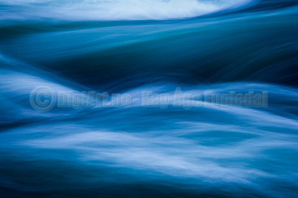 Flowing water   Rennende vann