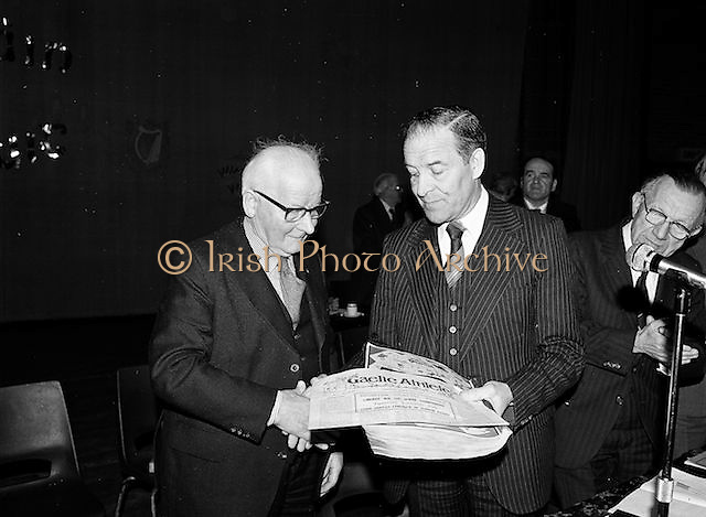 Two members of the GAA congress shake hands at the Coláiste Mhuire on the 24th of March 1979.