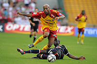 Fotball<br /> Frankrike<br /> Foto: Dppi/Digitalsport<br /> NORWAY ONLY<br /> <br /> FOOTBALL - FRENCH CHAMPIONSHIP 2010/2011 - L1 - RC LENS v AS MONACO - 21/08/2010 <br /> <br /> TOIFILOU MAOULIDA (RCL) / DJIMI TRAORE (ASM)