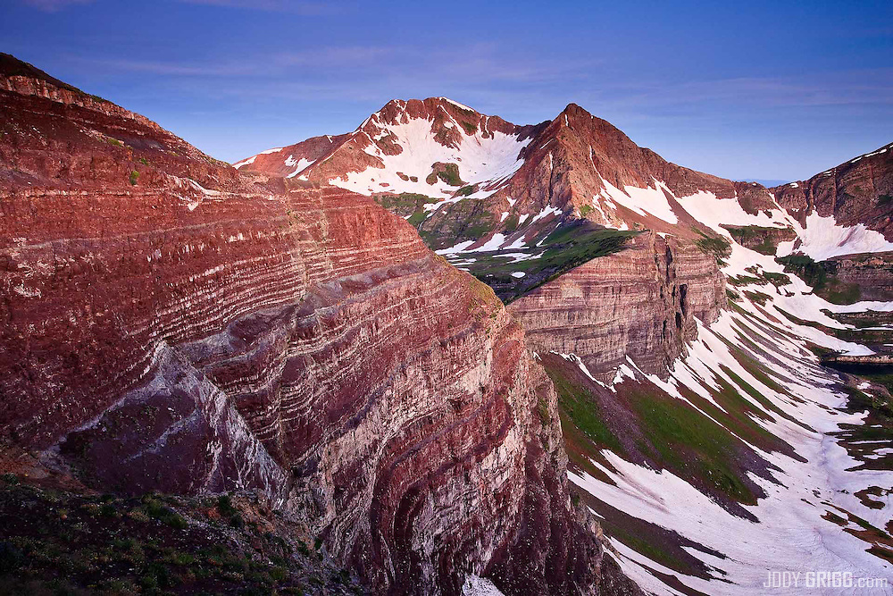 Dawn along Scarp Ridge onto Owen and Ruby peaks near Crested Butte, Colorado