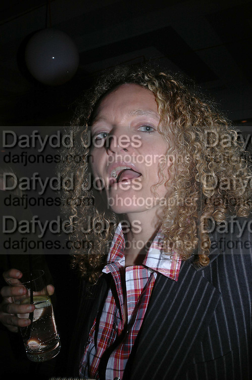 STEPHANIE THEOBALDS, Art Plus Music party. Fundraiser for the Whitechapel. 30 March 2006. ONE TIME USE ONLY - DO NOT ARCHIVE  © Copyright Photograph by Dafydd Jones 66 Stockwell Park Rd. London SW9 0DA Tel 020 7733 0108 www.dafjones.com