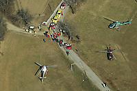 Motor<br /> Foto: Dppi/Digitalsport<br /> NORWAY ONLY<br /> <br /> AUTO - WRC 2005 - MONTE CARLO RALLY - MONACO 23/01/2005 - <br /> <br /> N¡ 2 - FRANCOIS DUVAL (BEL) - STEPHANE PREVOT / CITROEN XSARA WRC - CRASH - AMBIANCE - CARS STOP AFTER DUVAL 'S CRASH