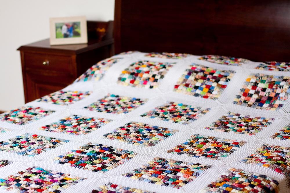 Belo Horizonte_MG, Brasil...Detalhes de uma colcha de Fuxico...Detail of a quilt...Foto: NIDIN SANCHES / NITRO