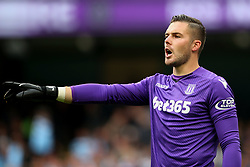 Jack Butland of Stoke City shouts - Mandatory by-line: Matt McNulty/JMP - 14/10/2017 - FOOTBALL - Etihad Stadium - Manchester, England - Manchester City v Stoke City - Premier League