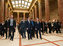 31.10.2011, Parlament, Wien, AUT, Nationalrat, Begrueßung des Praesidenten der Volksrepublik China  Hu Jintao durch Nationalratspraesidentin Barbara Prammer im Parlament, im Bild Nationalratspraesidentin Barbara Prammer mit Praesident der Volksrepublik China  Hu Jintao im Parlament // during the welcoming of Hu Jintao president of people's Republic of China with presiding officer of austrian parliament, parliament, Vienna, 2011-10-31, EXPA Pictures © 2011, PhotoCredit: EXPA/ M. Gruber